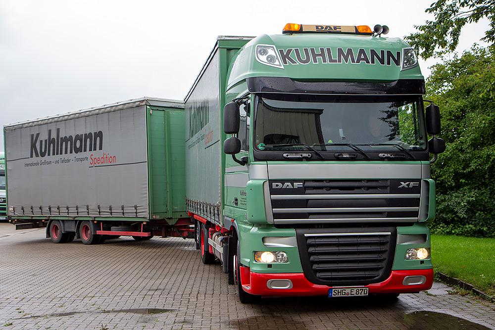 Jumbozug der Spedition Kuhlmann auf dem eigenen Gelände